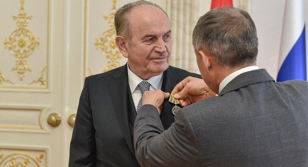 Tataristan'da Kadir Topbaş'a madalya