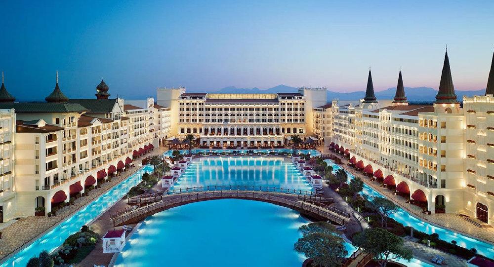 Rus Işadamı Ismailovun Antalyadaki Oteli Satılıyor Sputnik Türkiye