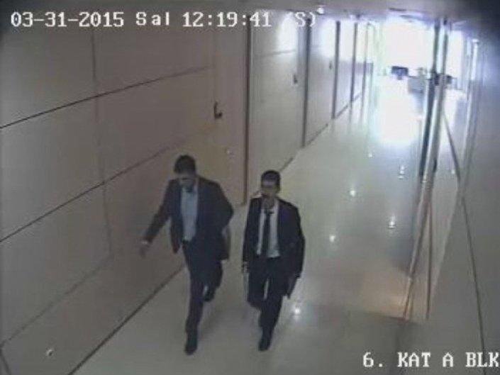 Fotoğraflarda Yayla ve Doğruyol, adliye koridorunda ve savcının odasına girerken görülüyor.