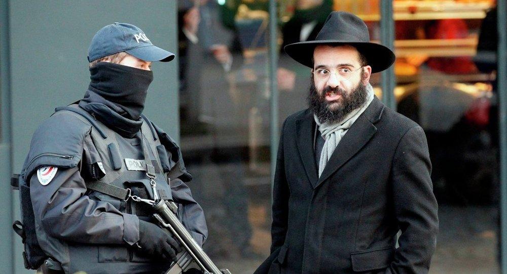 Fransa'nın başkenti Paris'te, ocak ayında Amedy Coulibaly'nin saldırı düzenlediği koşer marketi