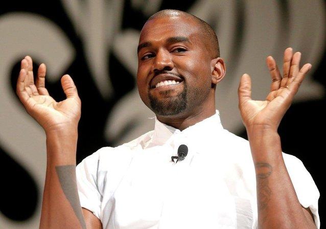 Rapçi Kanye West