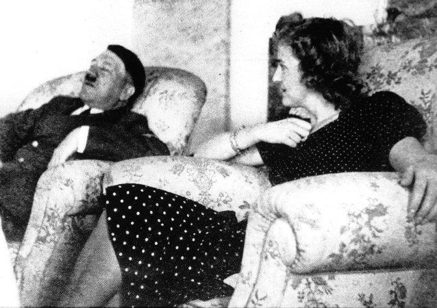 Nazi lideri Adolf Hitler ve Eva Braun