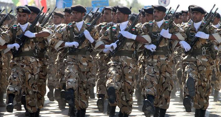 İran askerleri