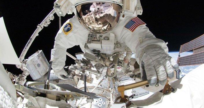 Uluslararası Uzay İstasyonu'nda uzay yürüşü