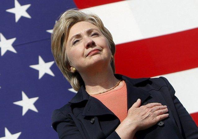 Hillary Clinton 2016'da Angela Merkel'i yerinden edebilecek kişi olarak gösterildi.