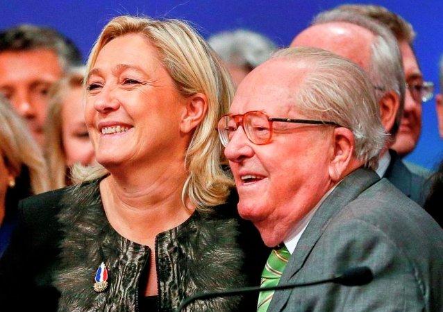 Marine Le Pen ve Jean-Marie Le Pen