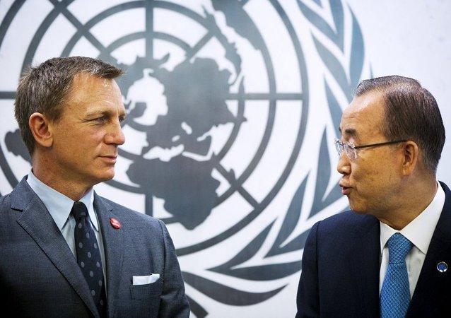 BM Genel Sekreteri Ban Ki-mun - İngiliz aktör Daniel Craig