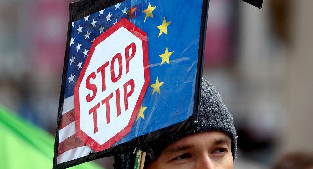 Münih'te TTIP karşıtı protesto gösterisi