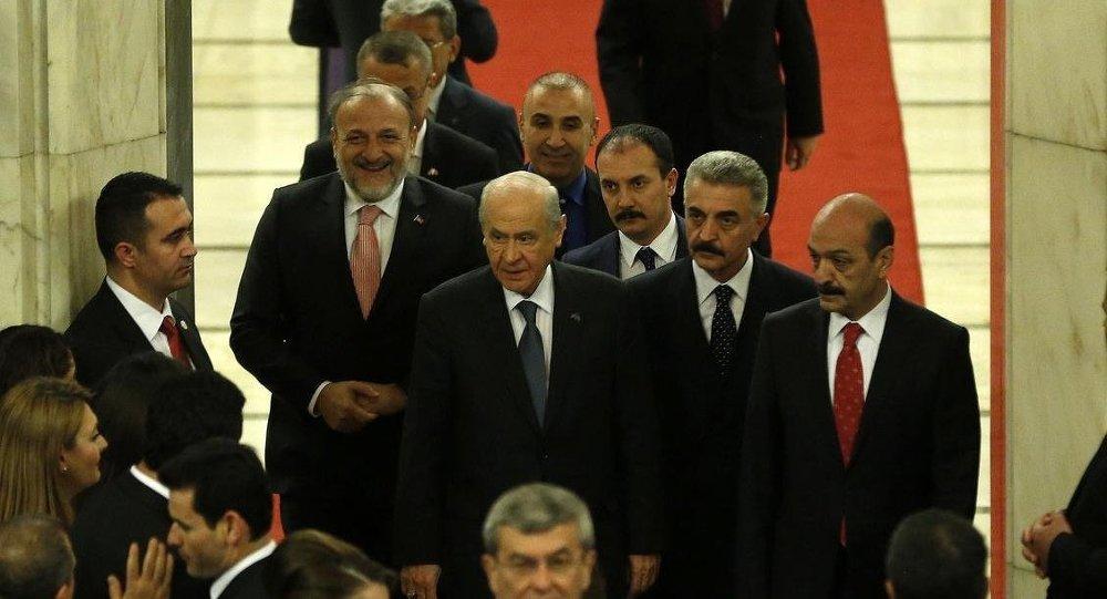 TBMM Başkanı Cemil Çiçek (sağda)- MHP Genel Başkanı Devlet Bahçeli (soldaki)