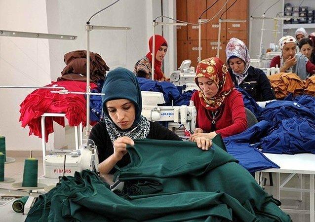 tekstil - kadın - işçi - fabrika