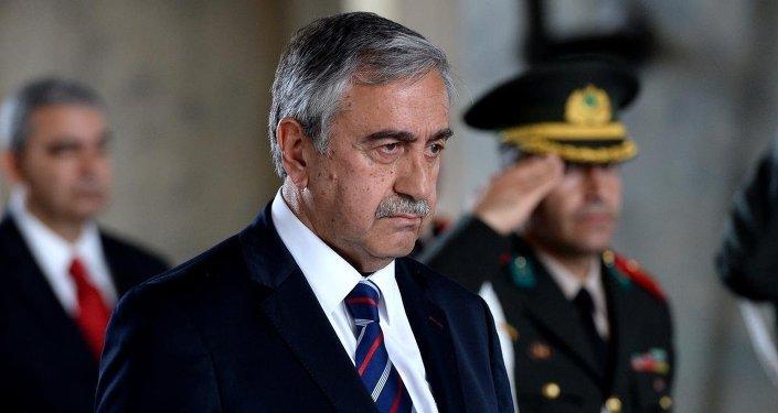 Ankara'da çeşitli temaslarda bulunacak KKTC Cumhurbaşkanı Mustafa Akıncı, Anıtkabir'i ziyaret etti.