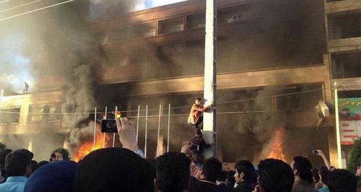 İran'da tecavüz isyanı