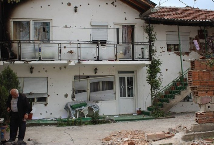 Hayatlarını normale döndürmek için uzun bir zamana ihtiyacı olan Kumanovalılar, yardım için yetkililere çağrıda bulundu.