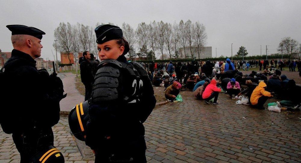 Avrupa'ya geçmeye çalışan kaçak göçmenler