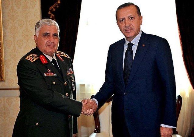 Cumhurbaşkanı Recep Tayyip Erdoğan, Genelkurmay Başkanı Orgeneral Necdet Özel