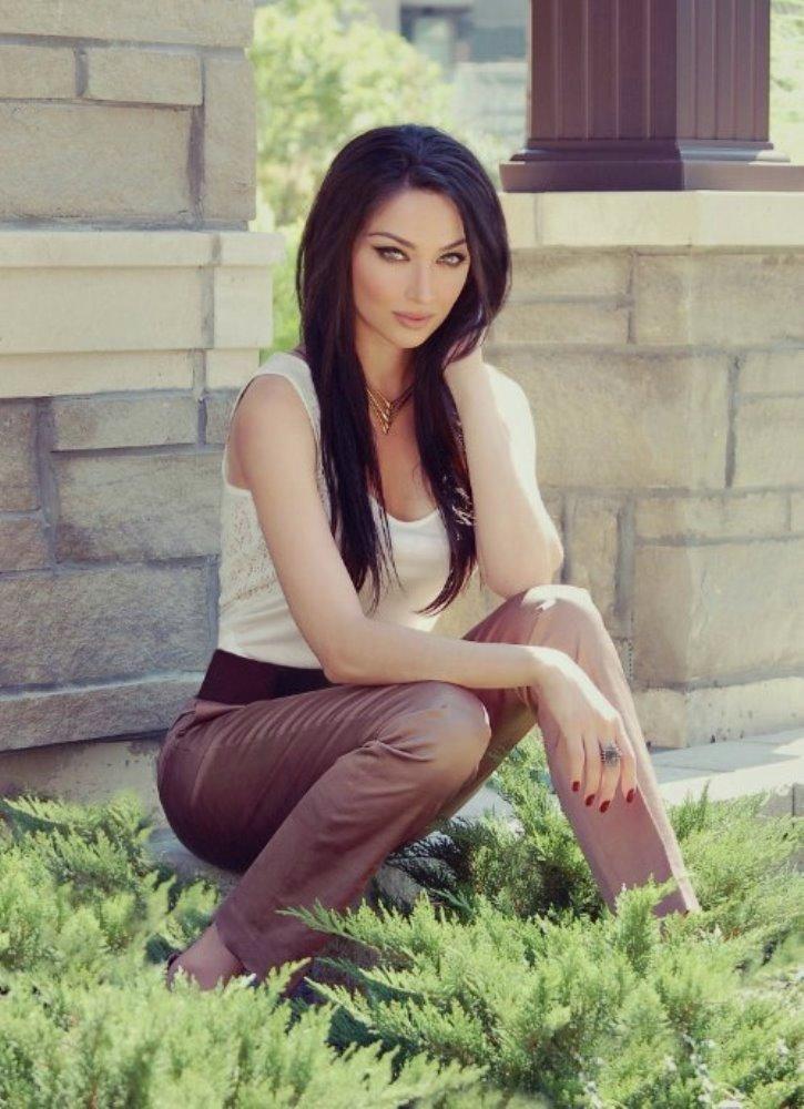 İranlı oyuncu Claudia Lynx