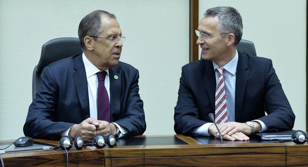 Rusya Dışişleri Bakanı Sergey Lavrov ve NATO Genel Sekreteri Jens Stoltenberg