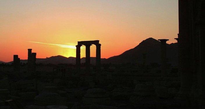 'Çöl gelini' ya da 'çöl mücevheri' olarak da bilinen kent, Pers İmparatorluğu, Romalılar ve Fenikelilere de ev sahipliği yaptı