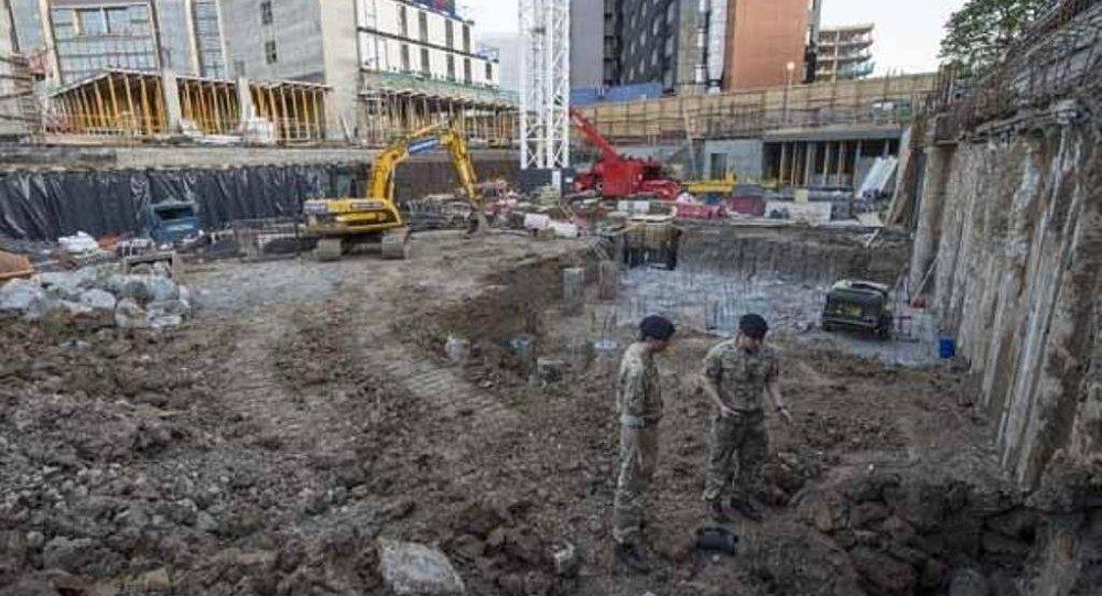 Wembley Stadı'nın yanında patlamamış bomba bulundu