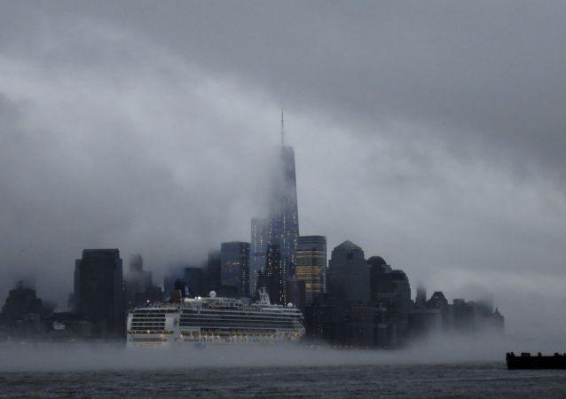 New York'ta sis hakimiyeti sürüyor.