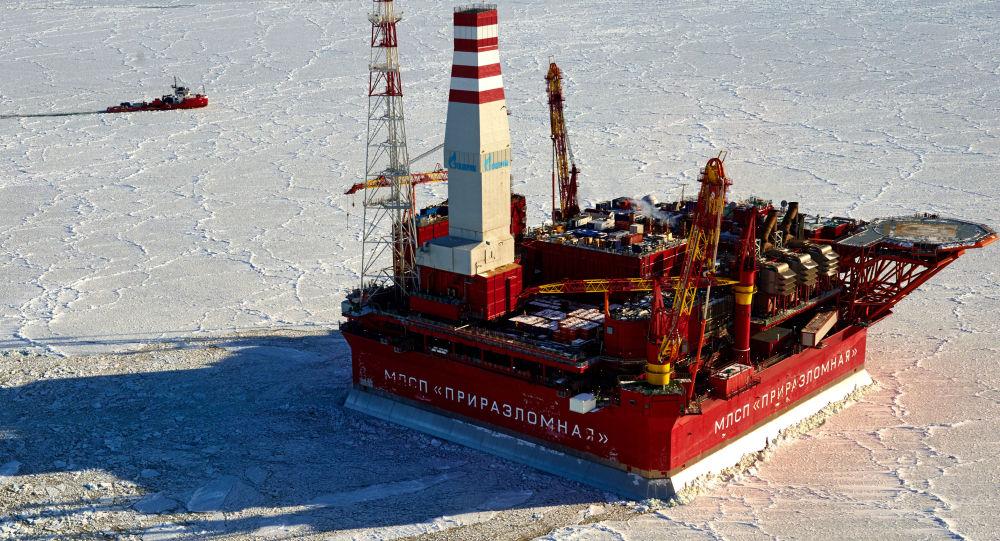 Prirazlomnaya  deniz tabanlı petrol arama platformu.