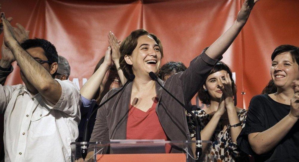 İspanya'da düzenlenen yerel seçimlerde Barcelona en Comu adlı siyasi oluşumun adayı Ada Colau