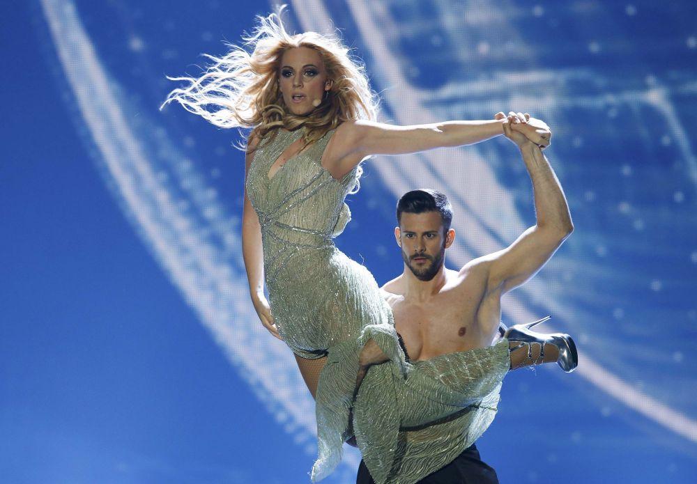 2015 Eurovision Şarkı Yarışması'nın İspanya temsilcisi Edurne yarışmanın finalinde