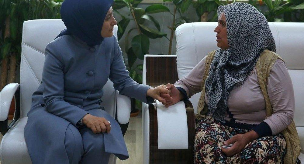 Sare Davutoğlu'ndan Mutlu Kaya'ya ziyaret