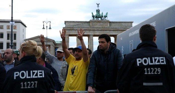 Mısır Cumhurbaşkanı Abdulfettah el Sisi, Almanya'da protestolarla karşılandı