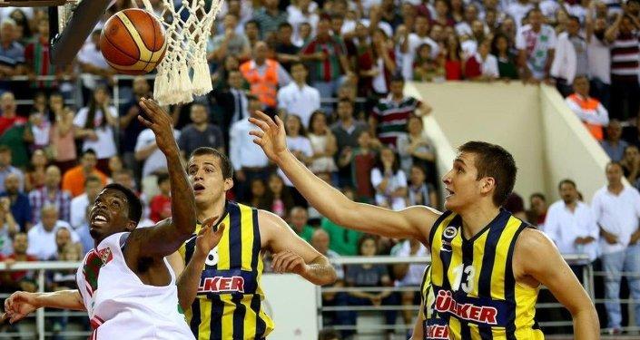 Pınar Karşıyaka ile Fenerbahçe Ülker