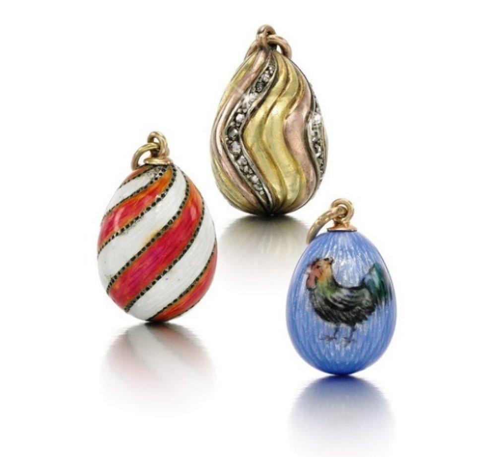 Minyatür yumurta şeklindeki mücevher işlemeli kolye uçları/ Takriben 1900.