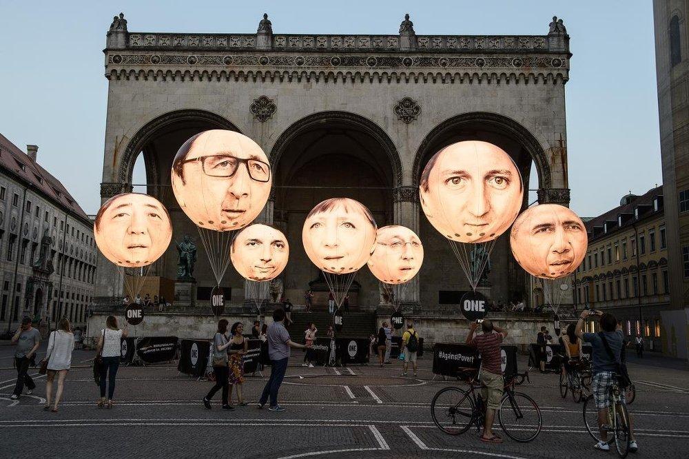 Almanya'nın Münih kenti yakınlarındaki Garmisch'teki Elmau Sarayı'nda ABD, İngiltere, Japonya, Almanya, İtalya, Kanada ve Fransa'nın katılımı ile yapılacak G7 zirvesi Münih'te protesto edildi.