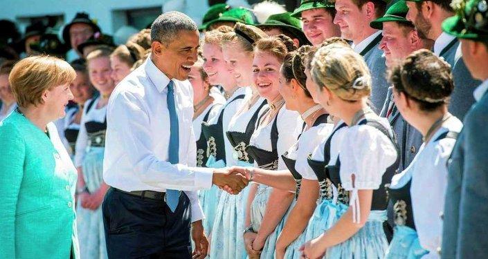ABD Başkanı Barack Obama, Almanya'nın Krün şehrindeki Elmau Sarayı'nda düzenlenen G7 Liderler Zirvesi öncesinde Almanya Başbakanı Angela Merkel ile bir araya geldi.