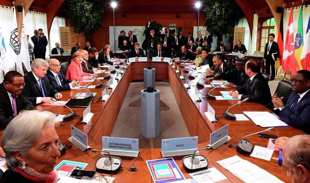 Zirvede dünyadaki ekonomik sorunların yanında dış politika, güvenlik, kalkınma ve enerji gibi temel konular ele alındı.