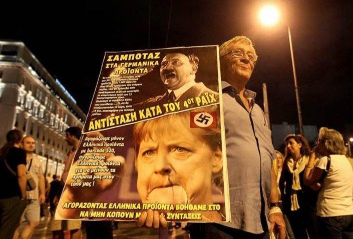 Almanya'daki Türklerin durumunun Angela Merkel döneminde daha da kötüleştiği belirtiliyor.