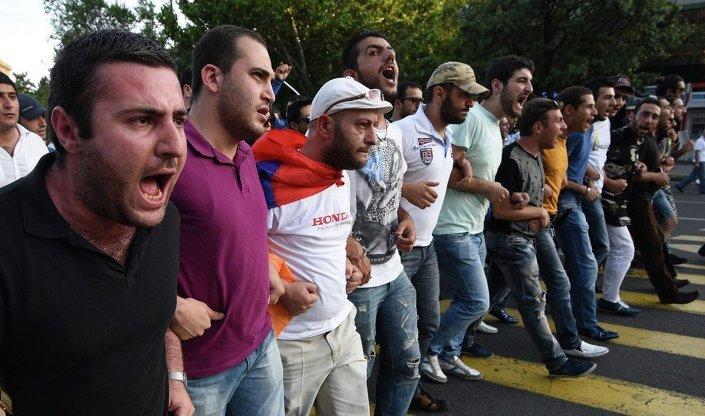 Eyleme Gümrü ve Sevan kent sakinlerinin de katıldığı belirtiliyor.