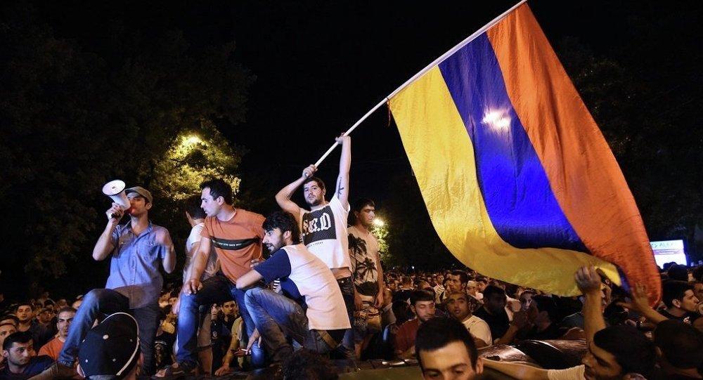 Ermenistan'ın başkenti Erivan'da protestolar