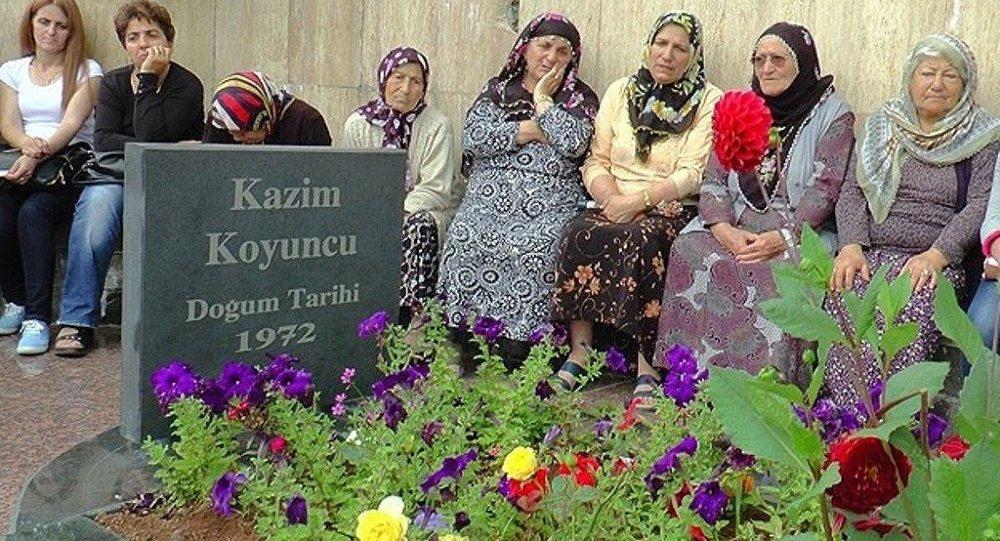 Kazım Koyuncu, ölümünün 10'uncu yılında mezarı başında anıldı