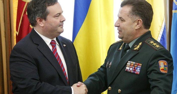 Ukrayna Savunma Bakanı Stepan Poltorak - Kanadalı mevkidaşı Jason Kenney