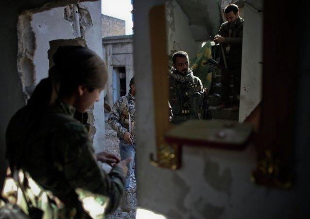 Suriye-YPG