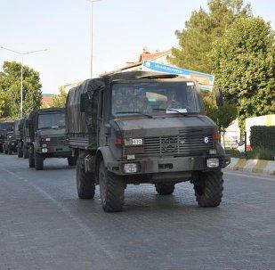 Gaziantep'te Suriye sınırına askeri sevkiyat yapıldı