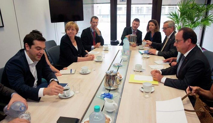 Yunanistan Başbakanı Aleksis Çipras, Almanya Başbakanı Angela Merkel, Fransa Cumhurbaşkanı François Hollande ve Avrupa Komisyonu Başkanı Jean-Claude Juncker ile  bir araya geldi.
