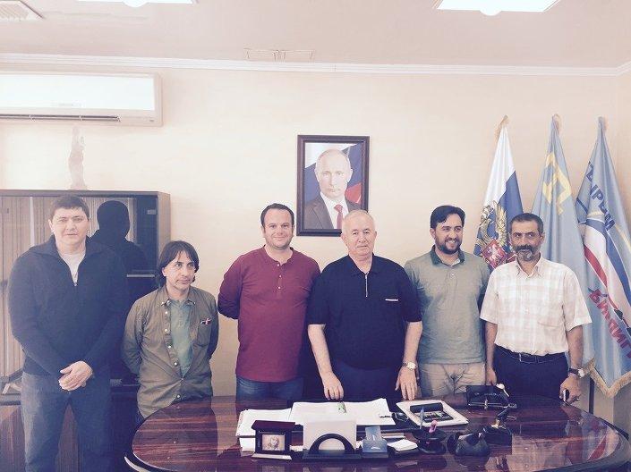 Nimetullayev: Türkiye için Kırım Tatarlarının durumu çok önemli. Sık ziyaretlerin sebebi burada neler olduğunu anlamak. Dünya medyası Kırım Tatarlarının haklarının ihlal edildiğini öne süren yayınlar yapıyor.