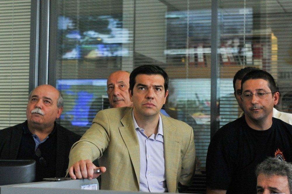 Yunanistan Başbakan Aleksis Çipras,itfaiye güçlerinin elinden gelen çabayı gösterdiği belirterek vatandaşlardan sakin olmalarını istedi.