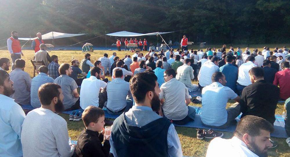 IŞİD, İstanbul'da toplu bayram namazı kıldı