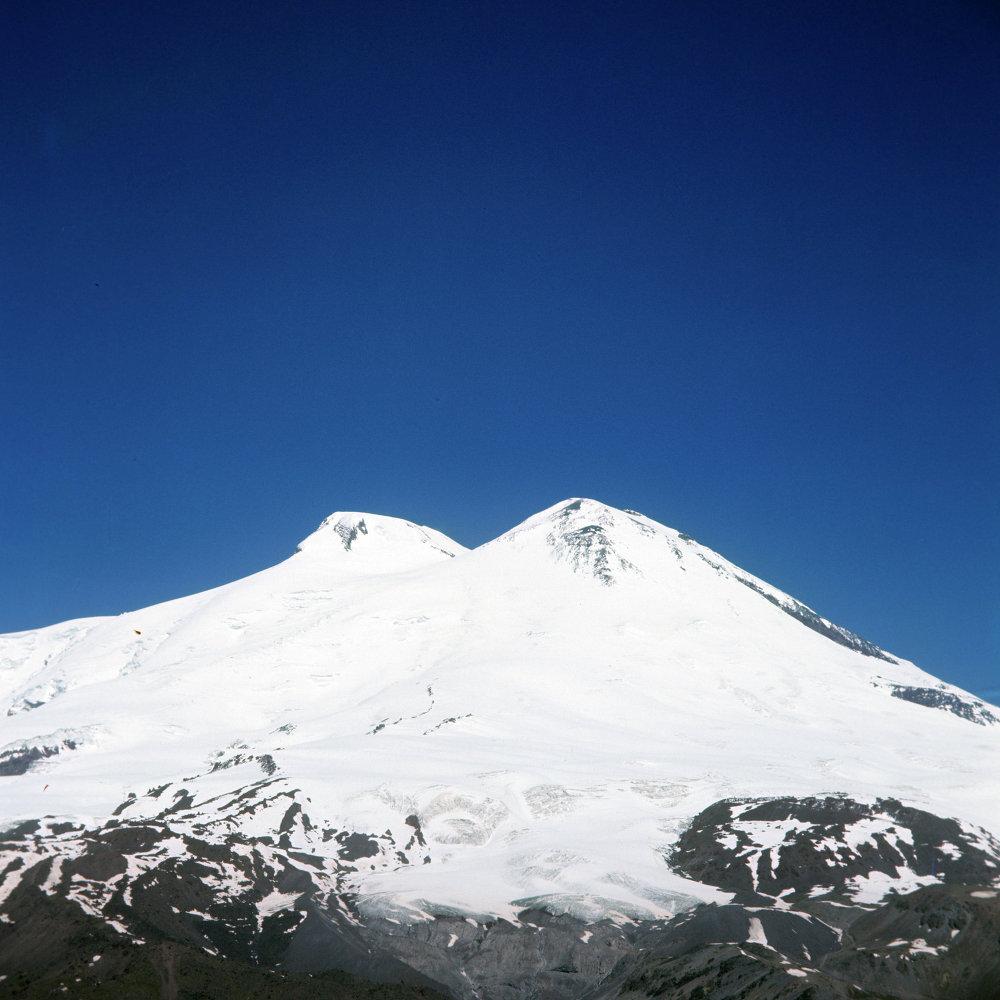 Çeget dağın'dan Elbrus manzarası