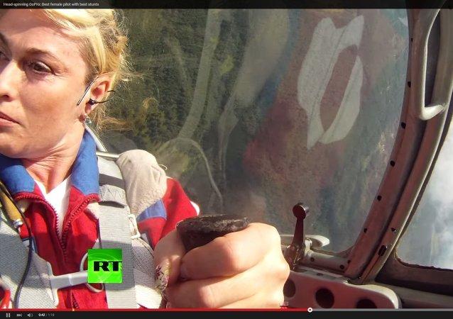 Rus kadın akrobasi pilotu: Svetlana Kapanina