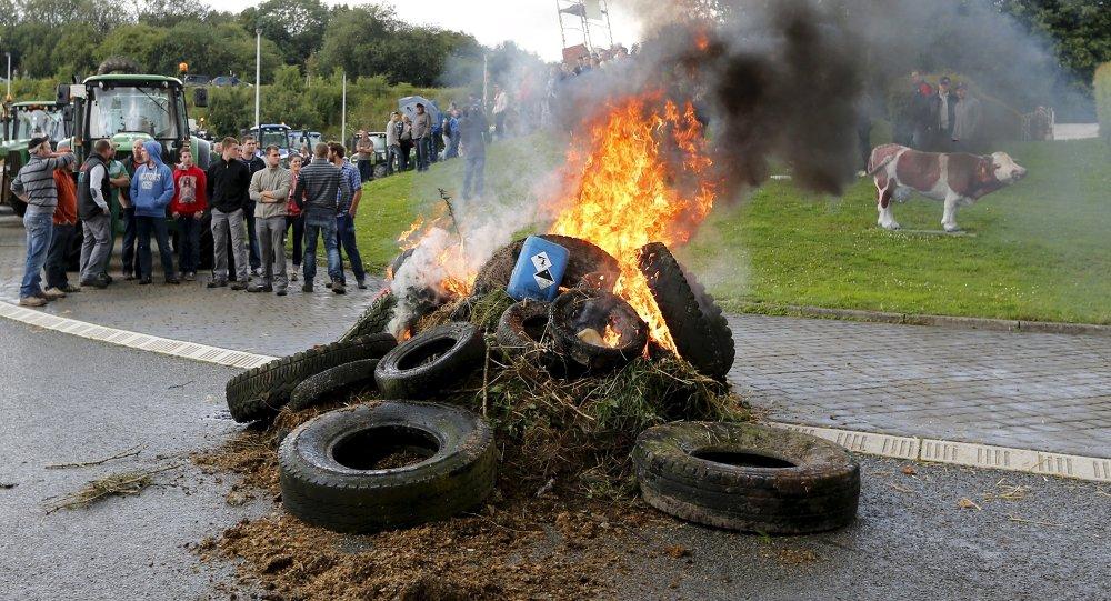 Belçikalı çiftçilerden protesto gösterisi