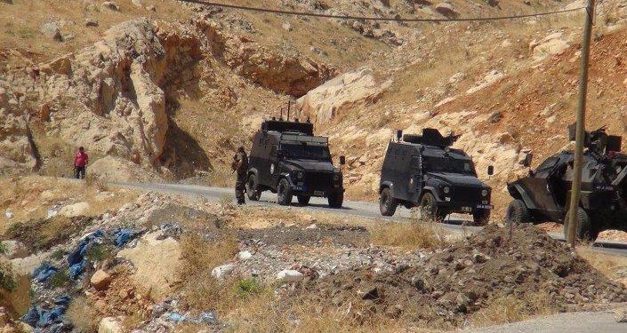 Diyarbakır'da askerler