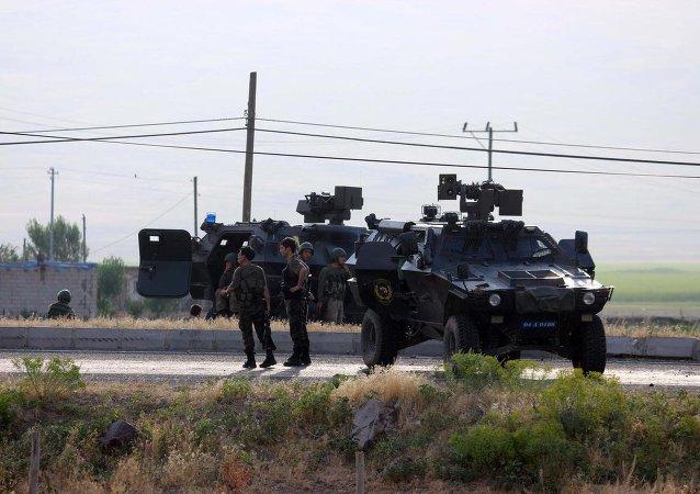 Jandarma karakoluna saldırı
